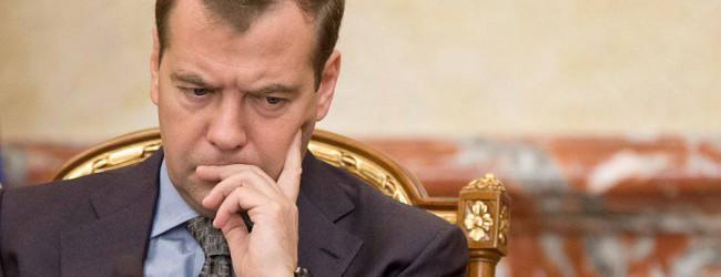 Дмитрий Медведев становится в России «мальчиком для битья» – а чего бы он хотел в своем положении?