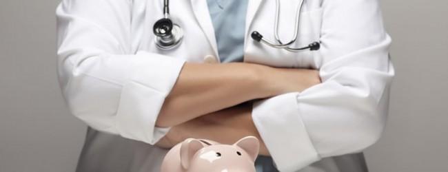 По уровню зарплат российские врачи и медсестры недооценены.