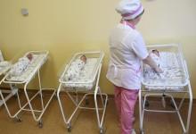 В России идет демографический спад, но правительство обещает рост уже через два года.