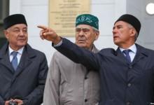 Парад суверенитетов. Как российские регионы вспомнили про свои полномочия.