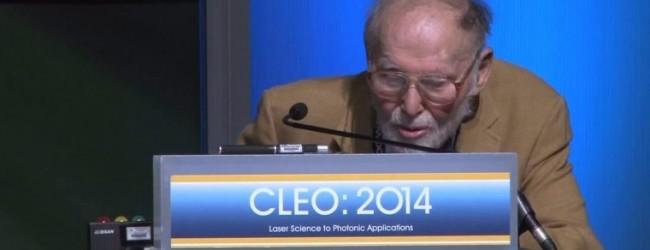 Физику в 96 лет присуждена Нобелевская премия. – А раньше было нельзя?