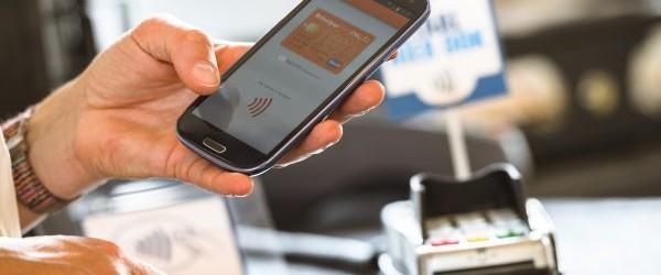 В России вводится система быстрых платежей по номеру телефона.