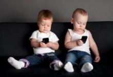 Опасная связь: ученые доказали — смартфоны опасны для детей.