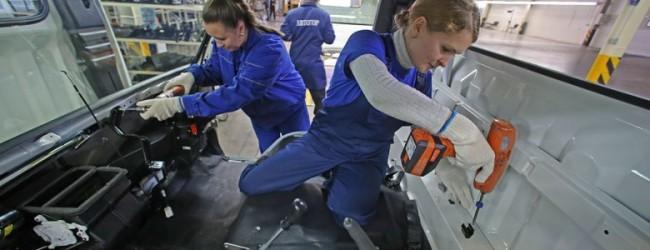 Россиянкам одобрили сотни «мужских» профессий.