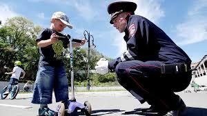 Снизить смертность на дорогах предлагают с помощью технологий.