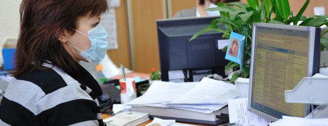 В России сейчас Covid-19 заражаются в основном офисные работники.